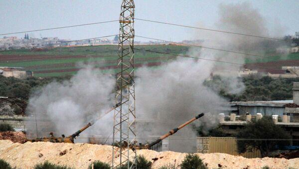 Turecká armáda ostřeluje syrské pozice poblíž Sarakíbu v provincii Idlib - Sputnik Česká republika
