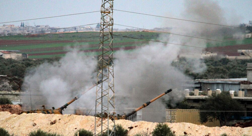Turecká armáda ostřeluje syrské pozice poblíž Sarakíbu v provincii Idlib