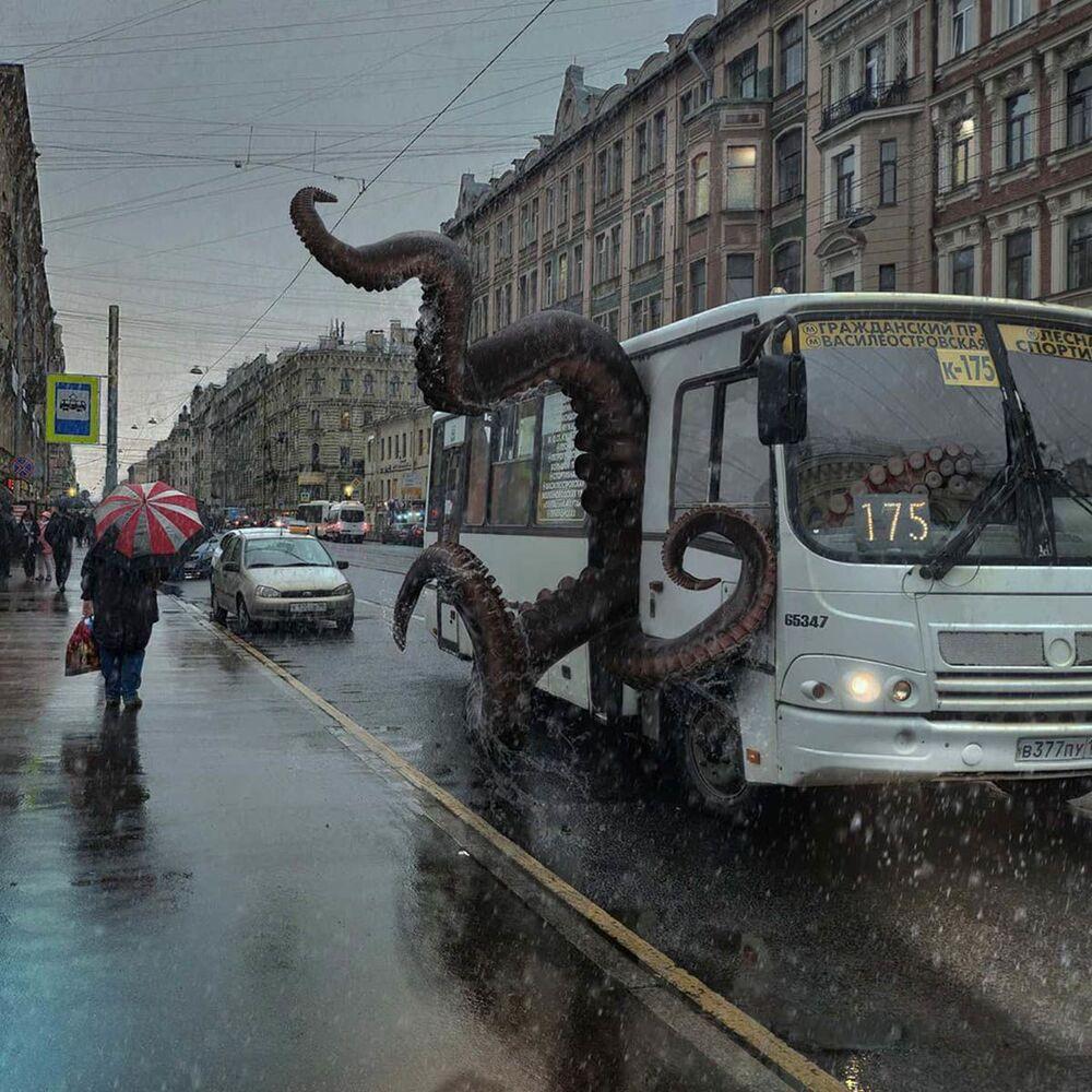 Umělecké pojetí fotografie Vadima Solovjeva: Chobotnice v autobuse