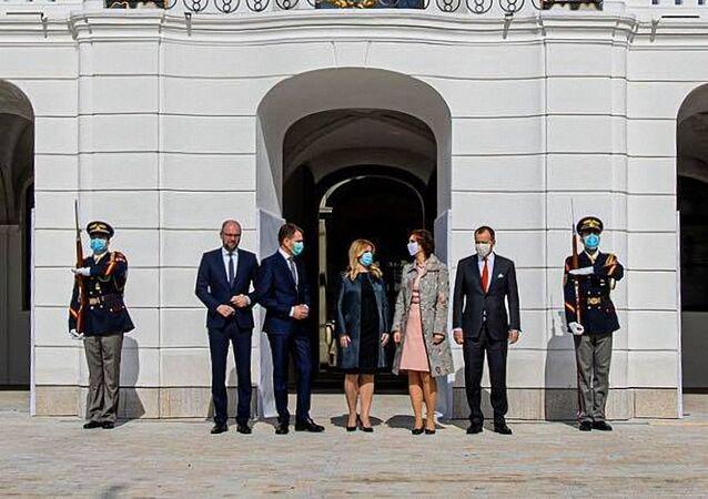 Slovenská prezidentka Zuzana Čaputová v roušce