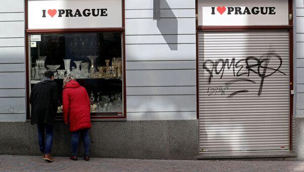 Obchod v Praze zavřený kvůli epidemii koronaviru - Sputnik Česká republika