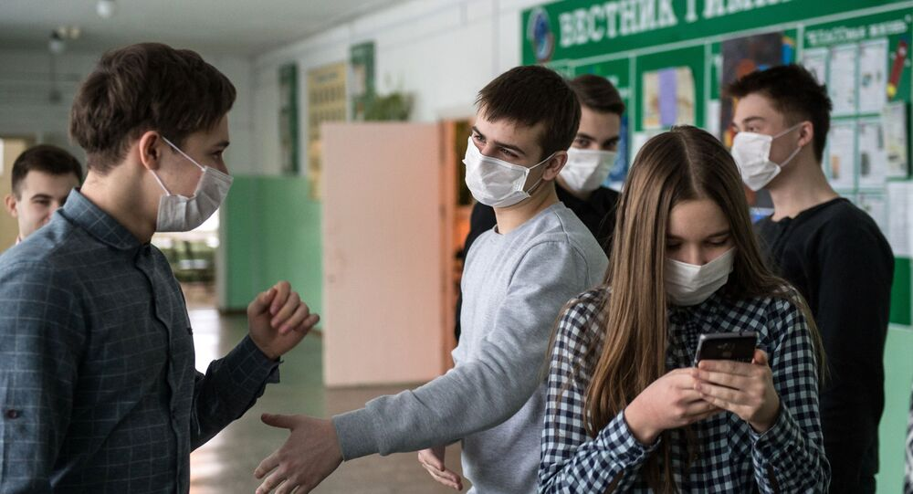 Gymnázium v Omsku během koronavirové epidemie