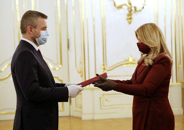 Slovenská prezidentka Zuzana Čaputová přijímá demisi vlády Petra Pellegriniho. Bratislava, Prezidentský palác (20.03.2020)