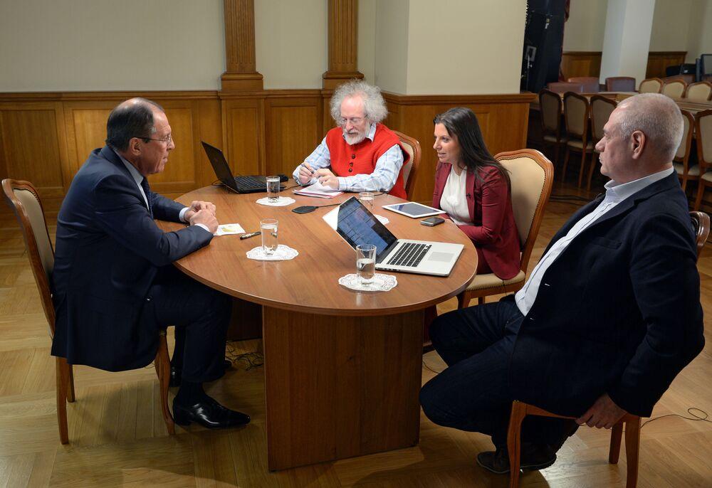 Ruský ministr zahraničí Sergej Lavrov během rozhovoru pro rozhlasové stanice Sputnik, Echo Moskvy a Govorit Moskva