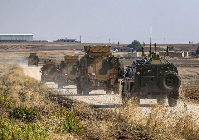 Rusko-turecká hlídka v Sýrii