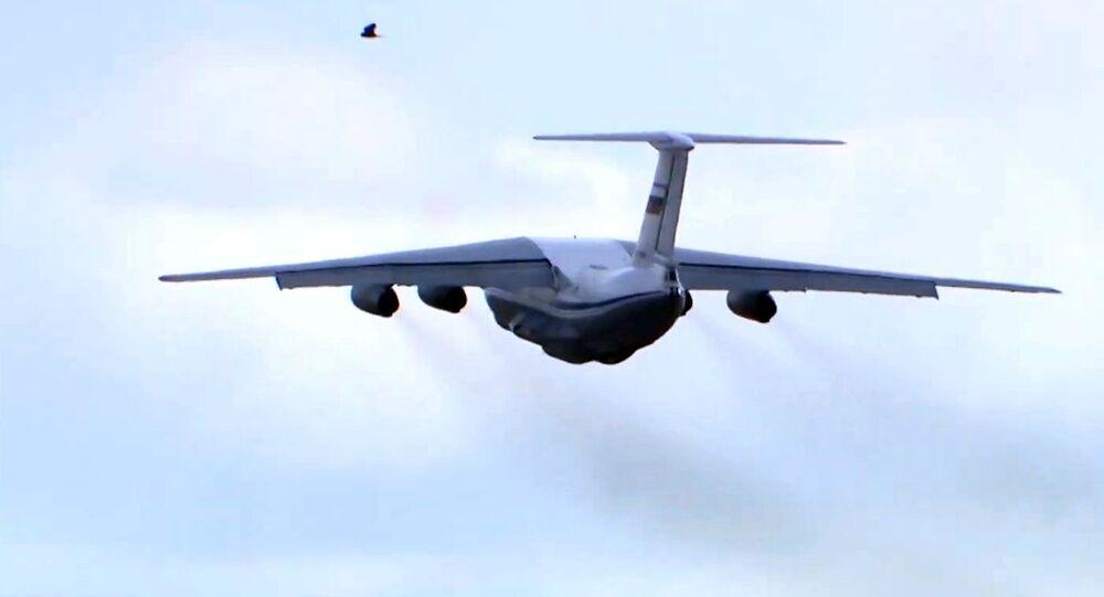 Il-76 na cestě do Itálie