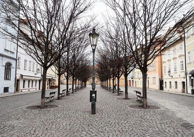 Pražská Kampa v době koronavirové karantény. Ilustrační foto