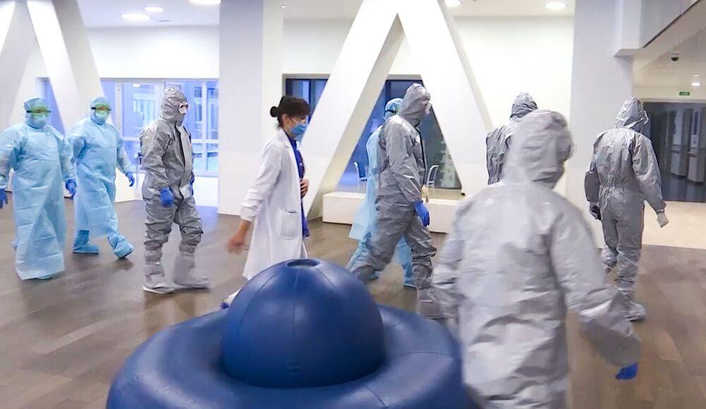 Pomoc dorazila: Ruští vojenští specialisté kontrolují nemocnici v Bergamu