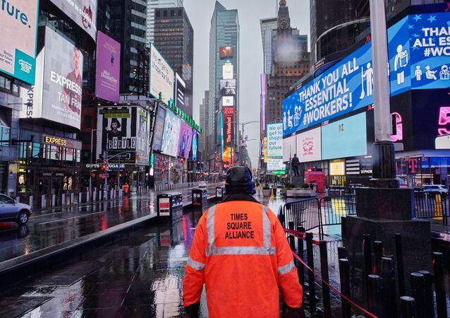 Opuštěné náměstí Times Square v New Yorku