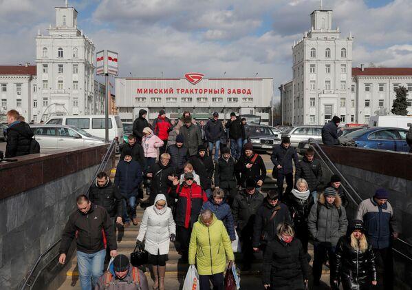 Fotbal místo karantény. Život v Bělorusku, které odmítlo izolaci - Sputnik Česká republika