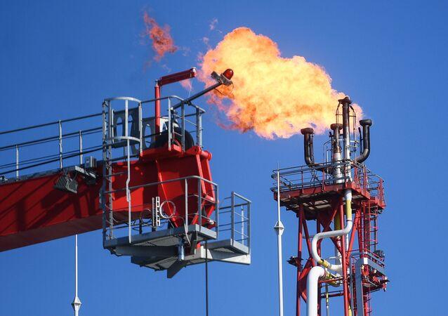 Těžba ropy ruskou společností Lukoil