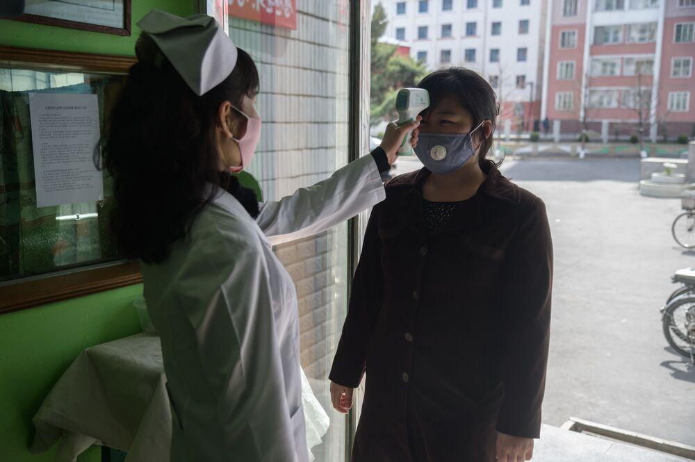 Země, kde není koronavirus. Jak se žije v Severní Koreji během pandemie