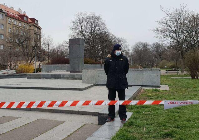 Místo, kde dříve stál pomník Koněva v Praze-6