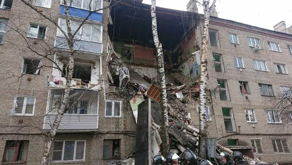 Výbuch plynu částečně zničil budovu v  Orechovo-Zuevo v Moskevské oblasti, 4. dubna 2020 - Sputnik Česká republika