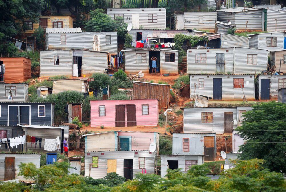 Byty v Umlazi během režimu izolace kvůli pandemii koronaviru. Poblíž města Durban, Jihoafrická republika.