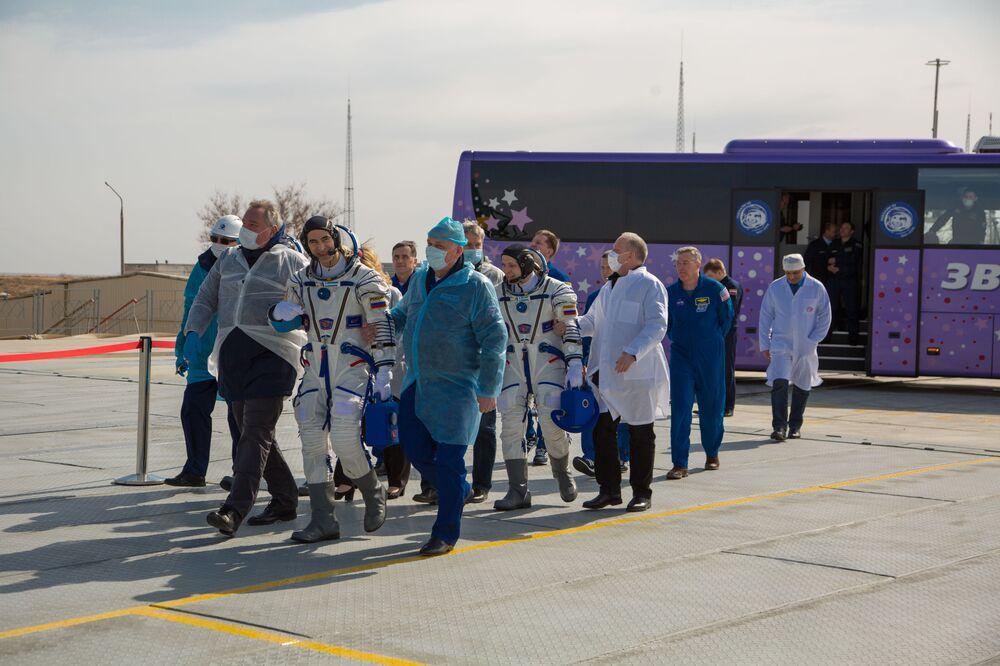 Koronavirus není pro kosmonauty překážkou. Loď s posádkou ISS odstartovala z kosmodromu Bajkonur
