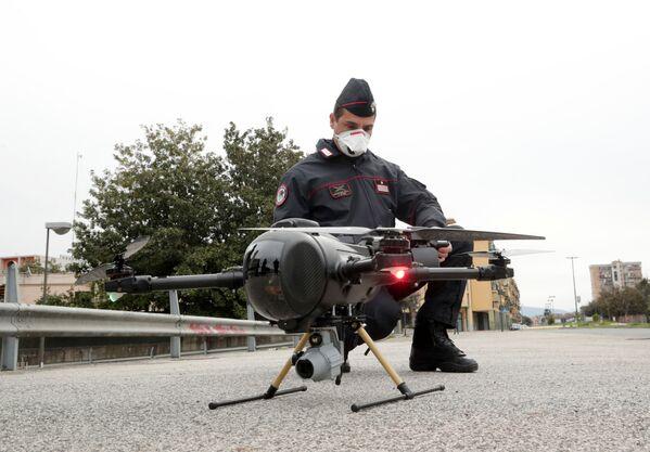 Budoucnost je tady: Jak pomáhají drony v boji proti koronaviru - Sputnik Česká republika