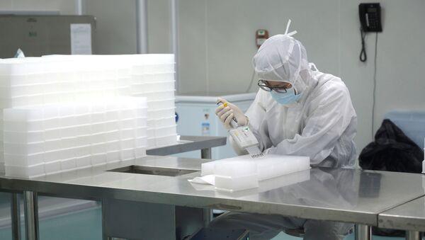 Čínský vědec provádí výzkum - Sputnik Česká republika
