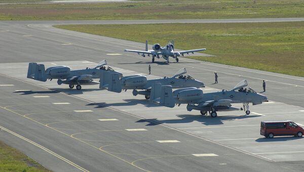 Stíhačky A-10 v Estonsku - Sputnik Česká republika