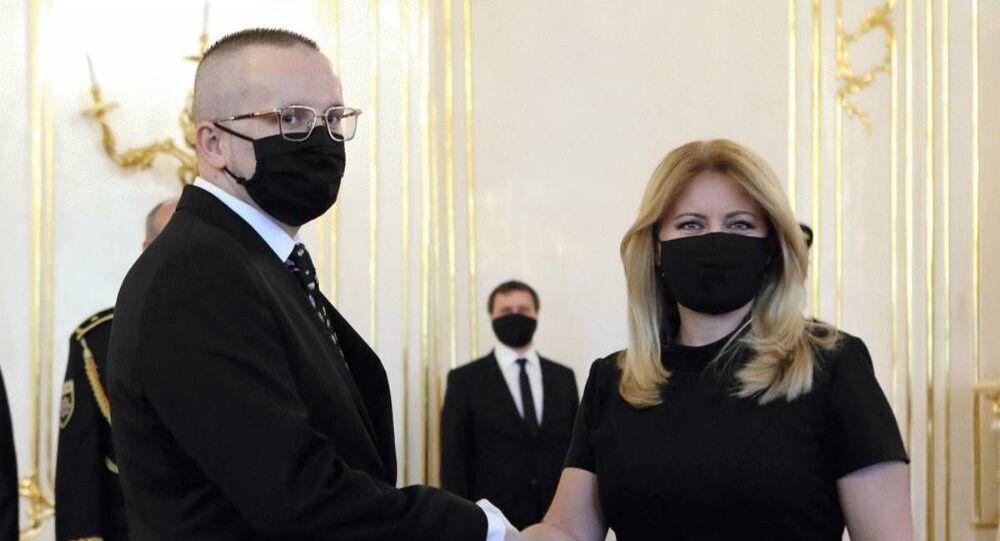 Nový šéf SIS Vladimír Pčolinský a slovenská prezidentka Zuzana Čaputová