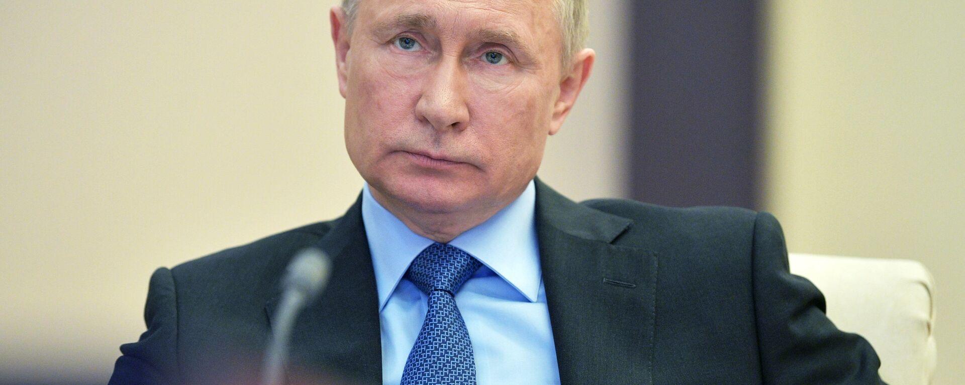 Ruský prezident Vladimir Putin. 9. dubna 2020 - Sputnik Česká republika, 1920, 21.04.2021