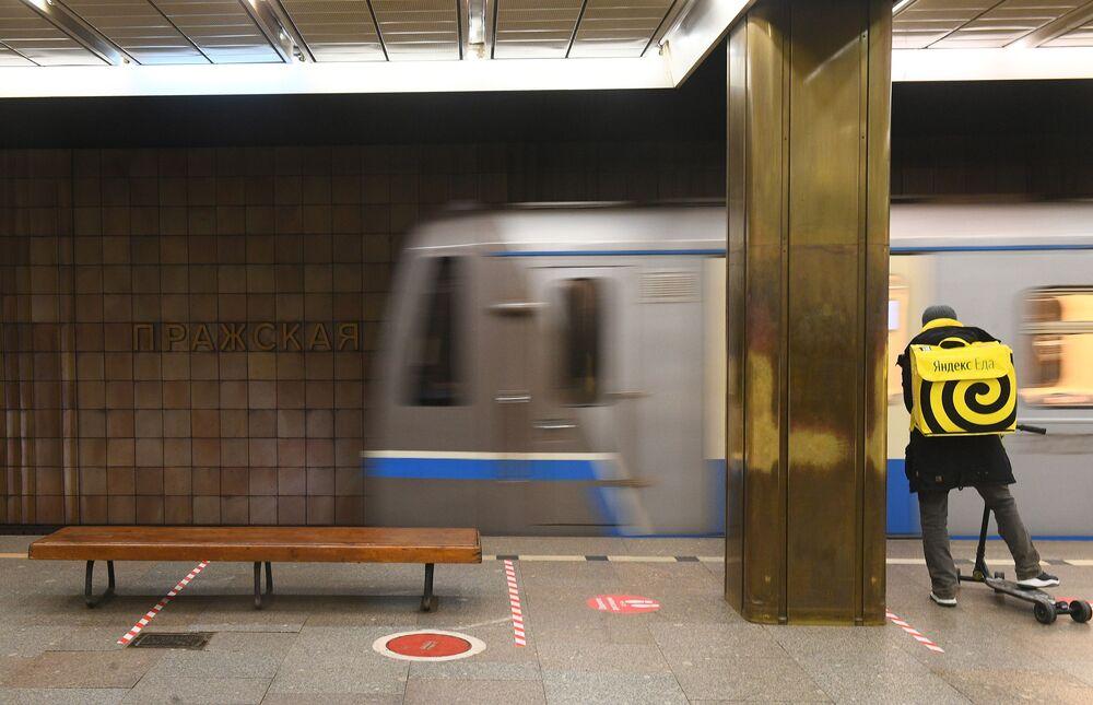Dojde k přejmenování stanice Pražská moskevského metra na počest maršála Koněva?