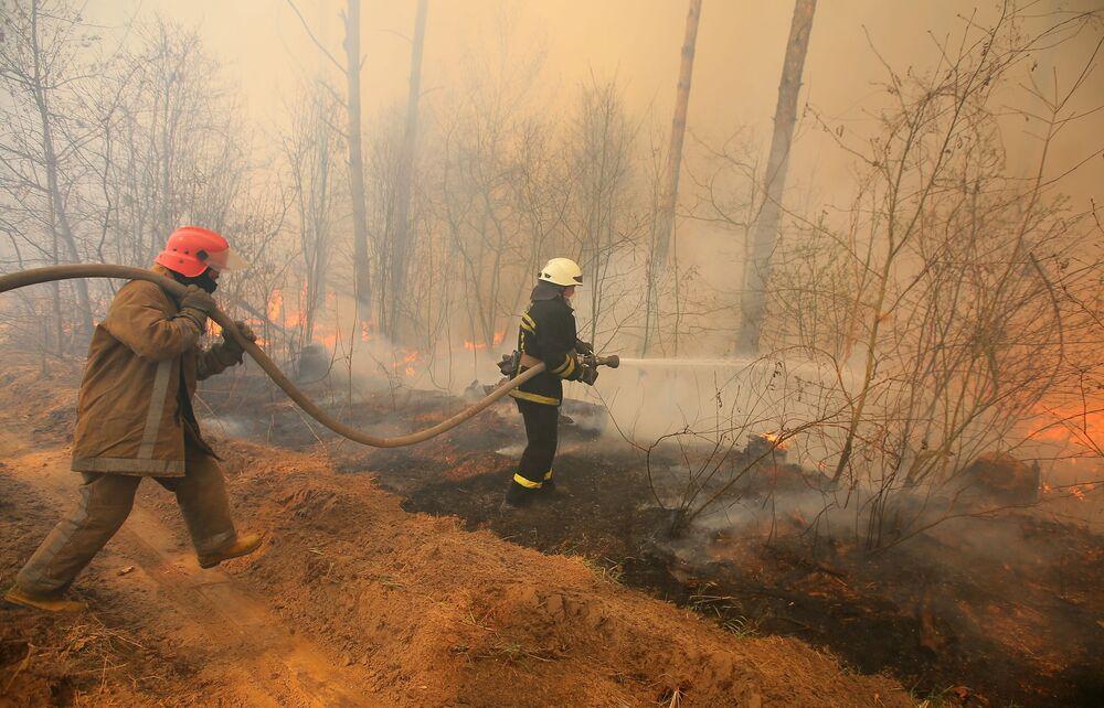 Lesní požáry v uzavřené zóně Černobylské jaderné elektrárny