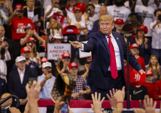 Americký prezident Donald Trump během předvolební akce v Miami