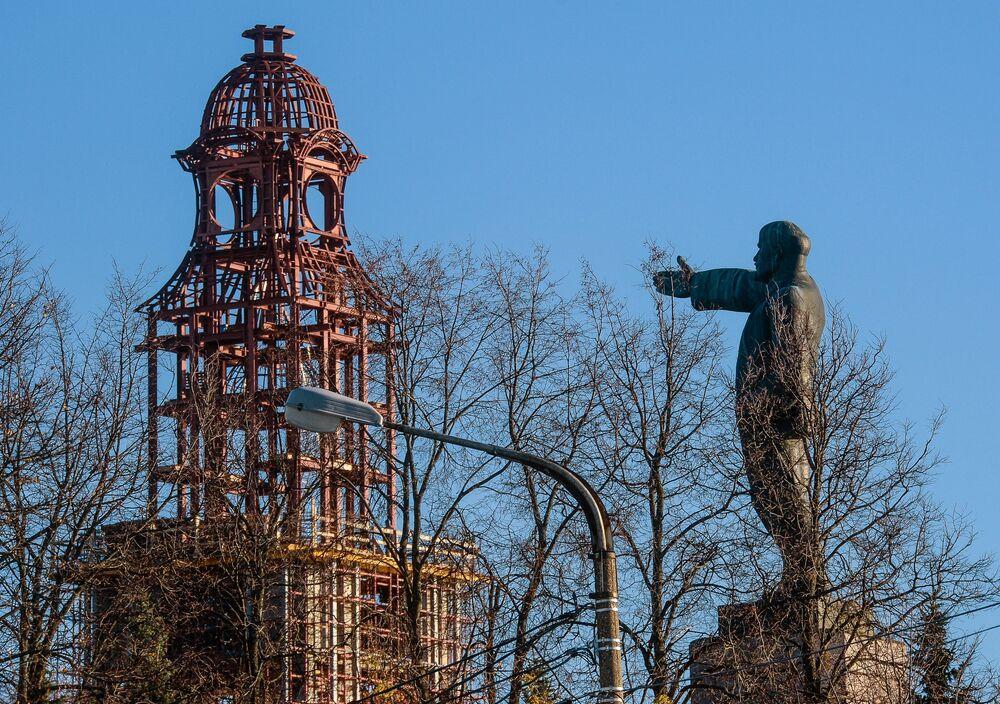 Památník Vladimira Lenina a zvonice v Kostromě