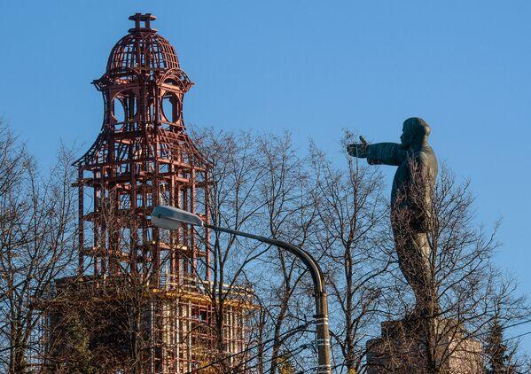 Památník Vladimira Lenina a zvonice v Kostromě - Sputnik Česká republika