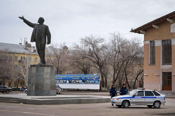 Leninův památník ve městě Bajkonur - Sputnik Česká republika