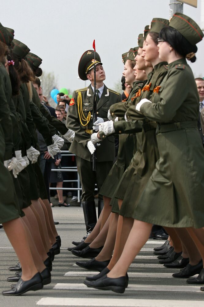 Záběry z vojenské přehlídky na náměstí tisíciletí v Kazani