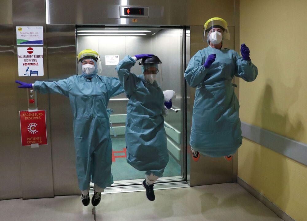 Belgičtí lékaři v nemocnici v Lutychu, Belgie