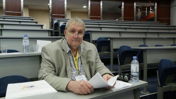 Kanadský historik Michael Jabara Carley - Sputnik Česká republika