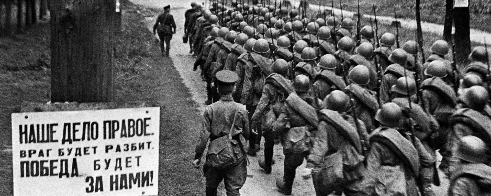 Vojáci míří na frontu, Moskva, 23. června 1941. - Sputnik Česká republika, 1920, 22.06.2021