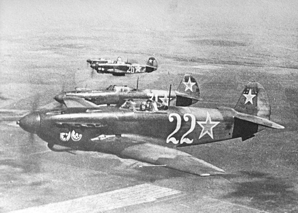 Letadlo Jak-9.
