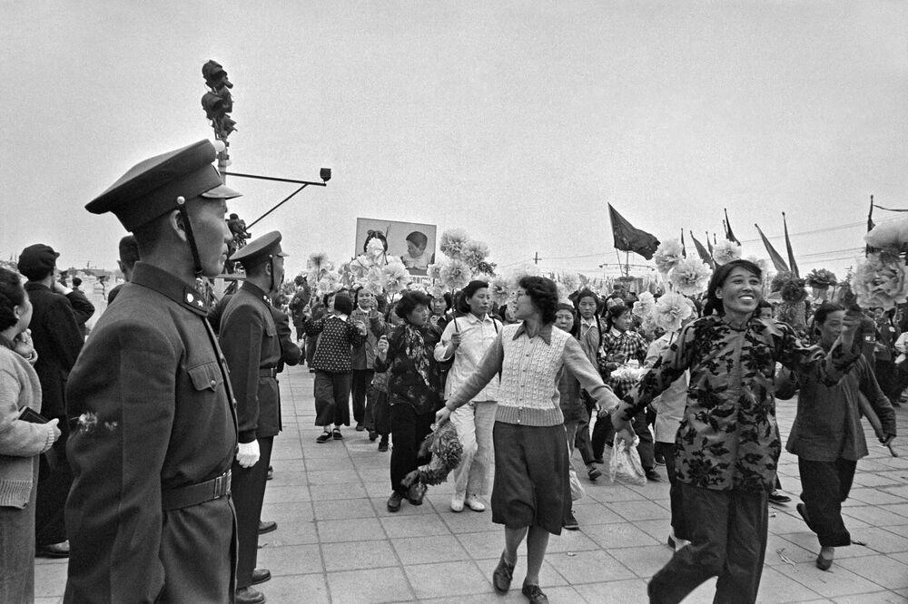 Slavnostní přehlídka pracovníků v Pekingu, 1. května 1957
