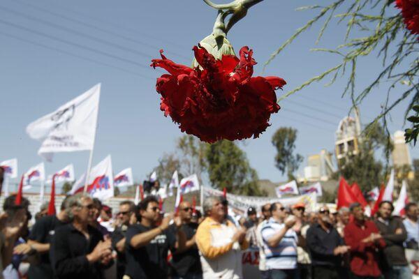 Účastníci prvomájové demonstrace v Athénách, Řecko, 2012 - Sputnik Česká republika