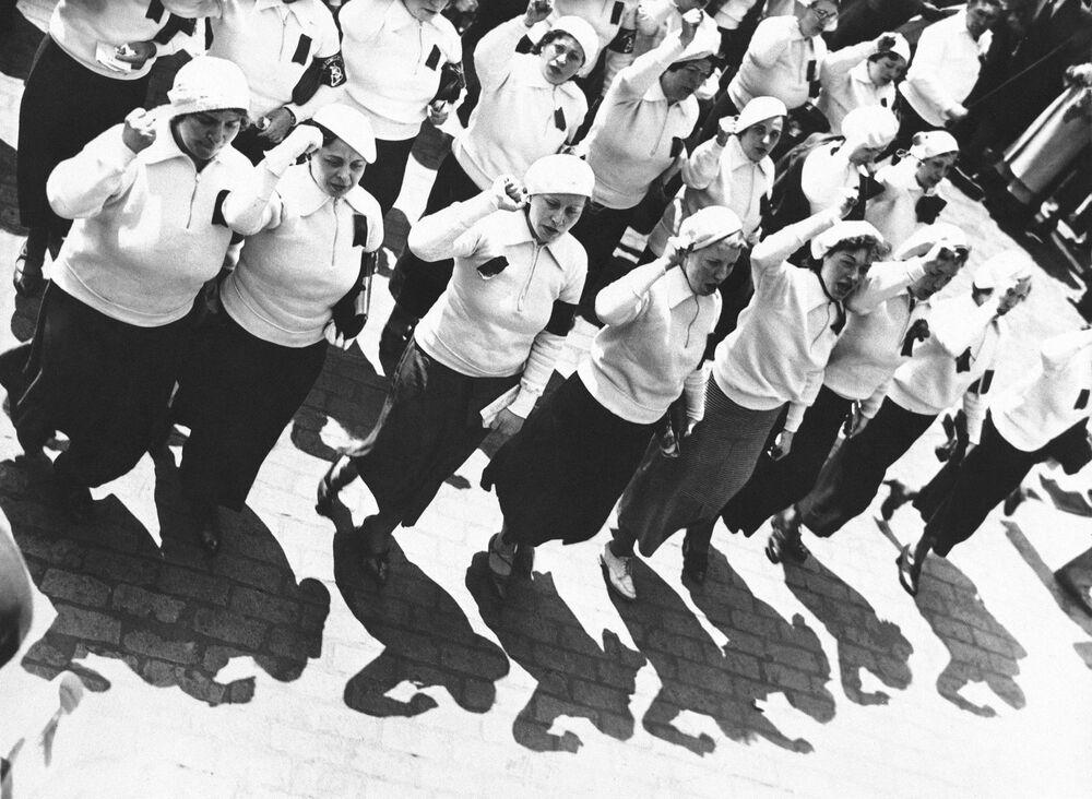 Ženský pochod během oslav 1. máje v New Yorku, 1935