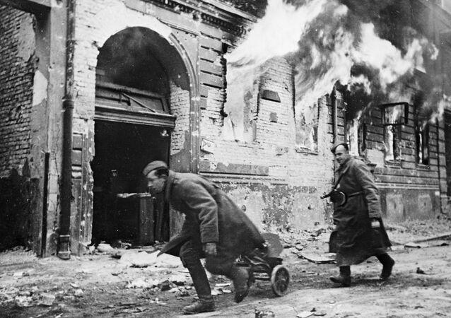 Berlín byl hlavním strategickým cílem vojenské kampaně na jaře 1945. Tam bylo ředitelství Führera a ústředí nacistického Německa.