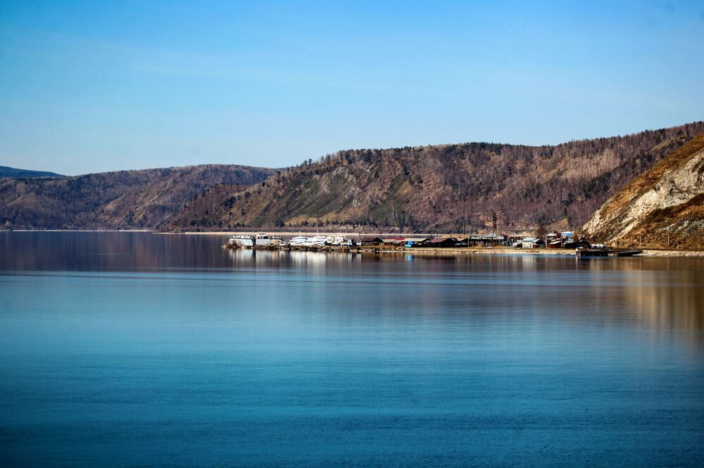 Přístav na Bajkalu.