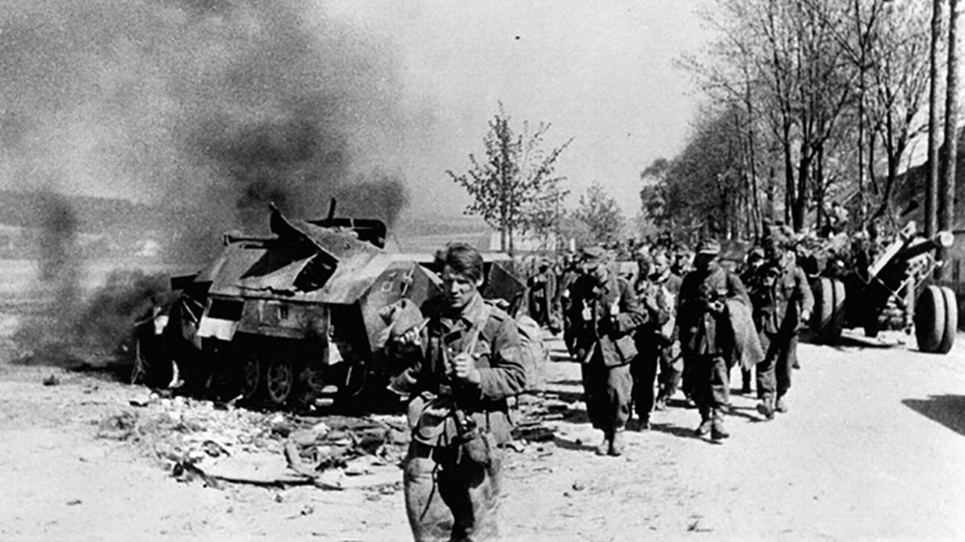 Ústup německých vojáků během Pražského povstání 5. května 1945 - Sputnik Česká republika, 1920, 04.05.2021