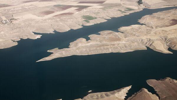 Pohled na řeku Eufrat - Sputnik Česká republika