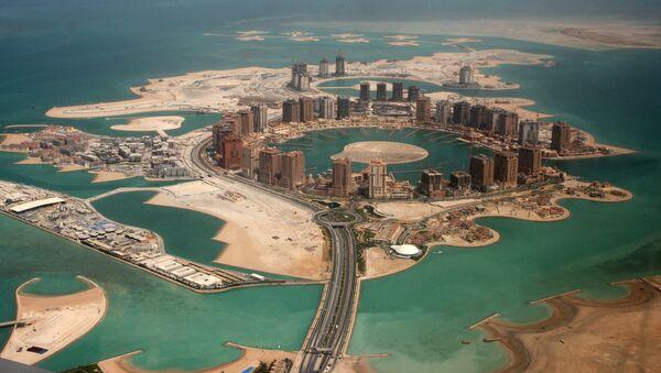 Umělý ostrov Pearl-Qatar v Dauhá (hlavní město Kataru) - Sputnik Česká republika
