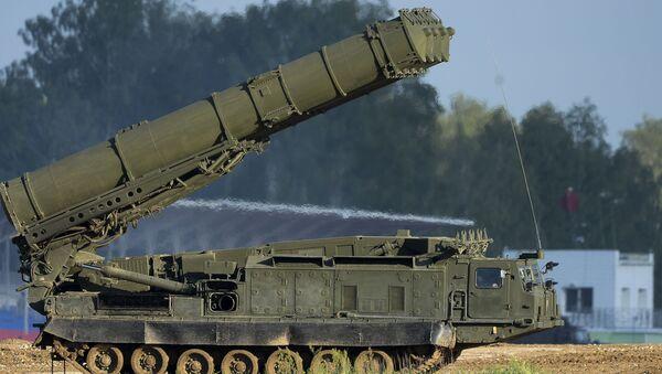 Protiletadlový systém S-300VM Antej-2500 - Sputnik Česká republika