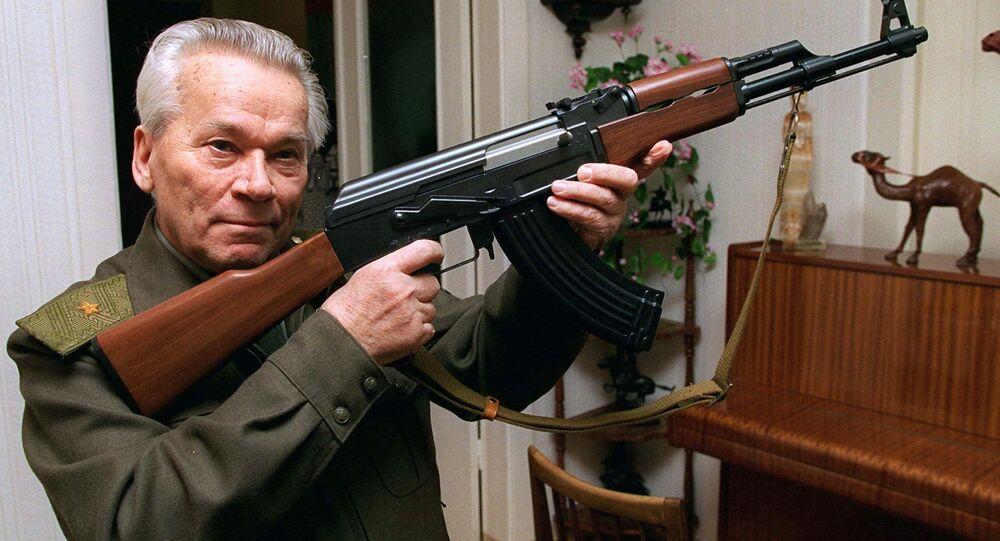 Konstruktér Michail Kalašnikov a AK-47