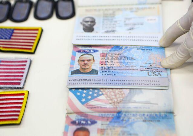 Doklady totožnosti žoldáků zadržených ve Venezuele