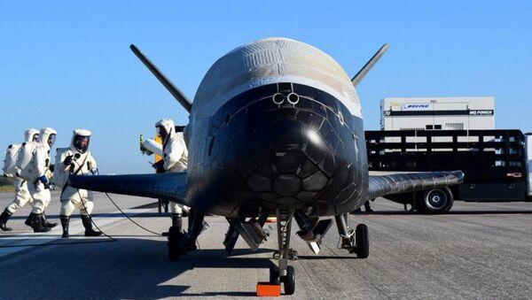 Americký miniraketoplán X-37B - Sputnik Česká republika