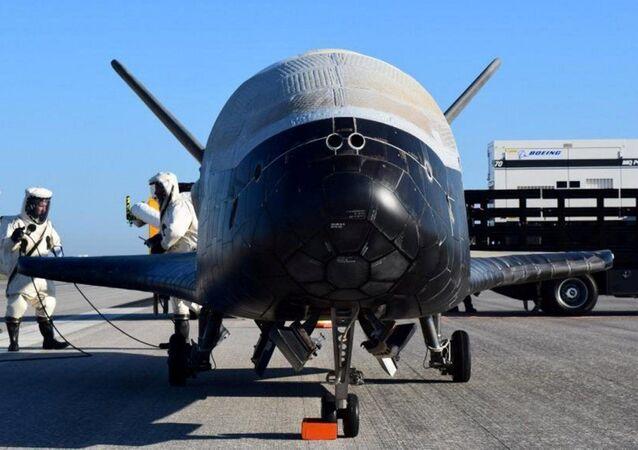 Americký miniraketoplán X-37B