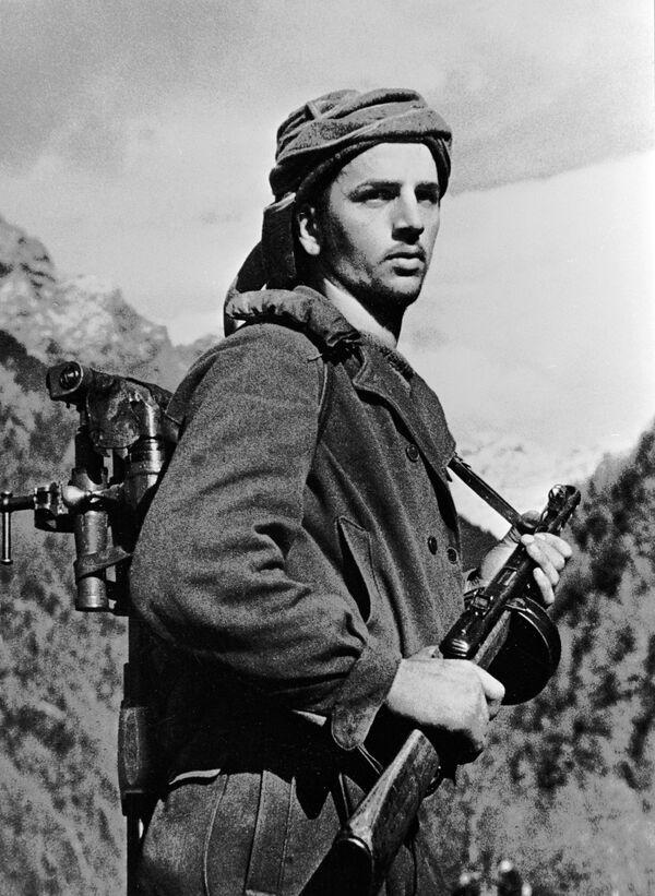 Abchazský voják v horách na Kavkaze, 1942 - Sputnik Česká republika